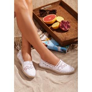 Bílé dámské háčkované espadrilky na léto