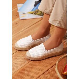 Bílé dámské espadrilky na nízkém podpatku s gumičkou