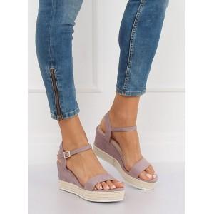 Stylové dámské sandály na platformě v krásné světle fialové barvě