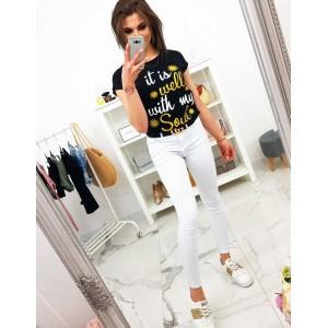 Dámské černé tričko s originálním nápisem v bílo žluté barvě