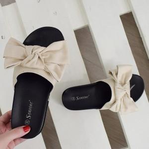 Dámské pantofle na platformě v béžové barvě