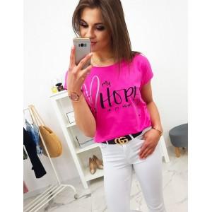 Moderní dámské tričko v neonově růžové barvě s módním nápisem