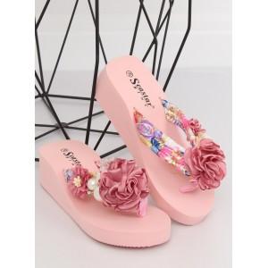 Růžové dámské pantofle na platformě ozdobené květem a perlami