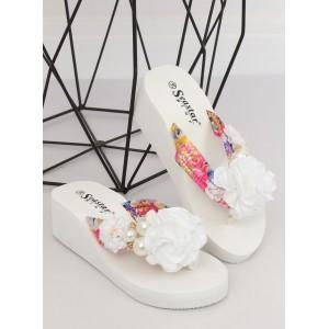 Dámské bílé pantofle na platformě s ozdobným květem a perlami