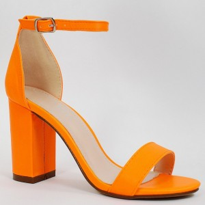 Letní dámské sandály v neonově oranžové barvě na plném podpatku