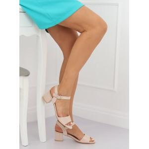 Dámské semišové sandály béžové barvy na nízkém podpatku