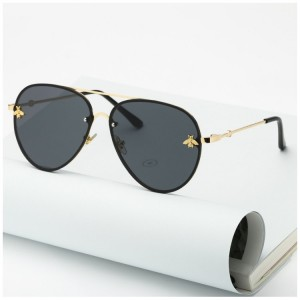 Stylové dámské sluneční brýle černé barvy