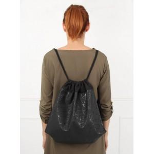 Moderní dámský batoh v černé barvě