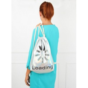 Stříbrný batoh s nápisem Loading