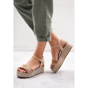 Dámské sandály na podpatku se zapínáním na řemínek