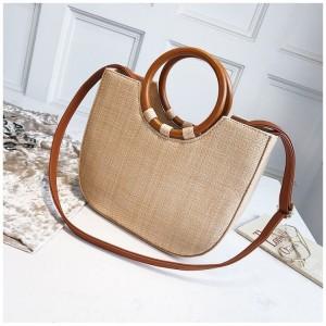 Pletená dámská kabelka v béžové barvě