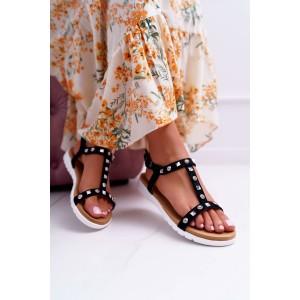 Trendy černé semišové dámské sandály se stříbrnými vybíjancami