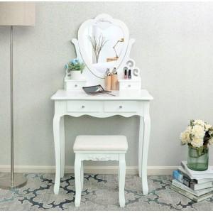 Retro toaletní stolek se zrcadlem ve tvaru srdce