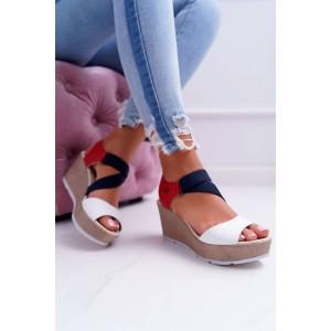 Stylové dámské sandály na platformě v módním vícebarevném designu