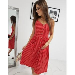 Krásné červené dámské šaty na ramínka a zapínaniím na knoflíky