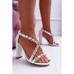 Bílé dámské sandály na vysokém podpatku