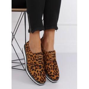 Moderní dámské polobotky s leopardím motivem