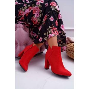 Originální dámské červené semišové kotníkové kozačky na podpatku