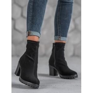 Trendová kotníková obuv na vysokém podpatku černé barvy