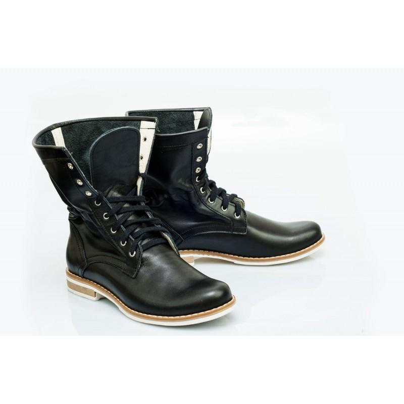 00c36f363f30f Originální dámské kožené boty černé barvy - manozo.cz