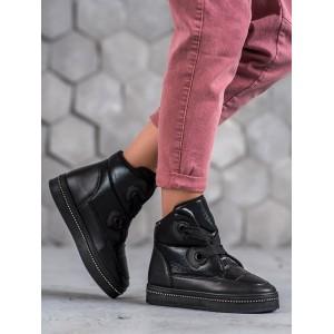 Dámská zimní obuv na platformě černé barvy