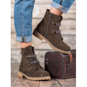 Trendová kotníková obuv na zimu s ozdobnou aplikací