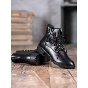 Stylové dámské černé kotníkové boty s vázáním na stahující šňůrku