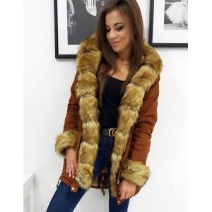 Stylová karamelově hnědá dámská bunda na zimu s odnímatelnou kožešinou