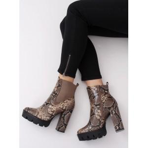 Dámské zateplené kotníkové boty s hadím motivem