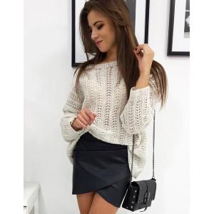 Moderní dámský svetr v béžové barvě
