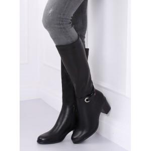 Stylové dámské kozačky na podpatku v černé barvě