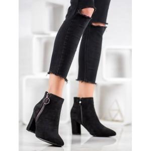 Stylové dámské boty na zimu v černé barvě