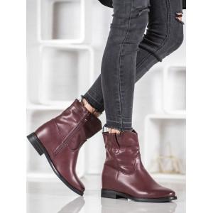 Zimní dámské boty v bordó barvě na nízkém podpatku