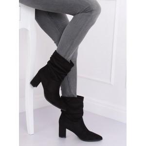 Dámské kotníkové boty semišové v černé barvě