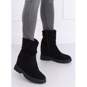 Zateplené dámské zimní boty v černé barvě