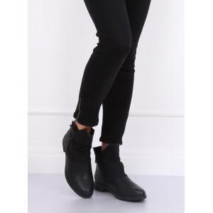 Moderní dámské boty v černé barvě na nízkém podpatku
