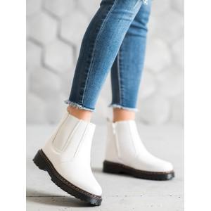 Moderní dámské boty na platformě v bílé barvě
