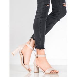 Béžové letní sandály na hrubém podpatku