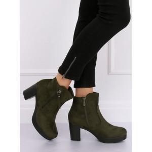 Dámské kotníkové boty zelené barvy s ozdobným zipem
