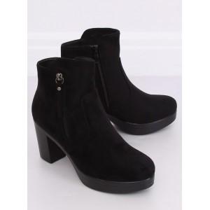 Černé zateplené kotníkové boty na vysokém podpatku