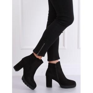 Zateplené kotníkové boty se zapínáním na zip