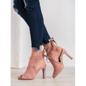 Semišové kotníkové boty na vysokém podpatku růžové barvy