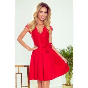 Společenské krásné dámské červené šaty s krajkou