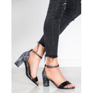 Originální dámské sandály v černé barvě na nízkém podpatku
