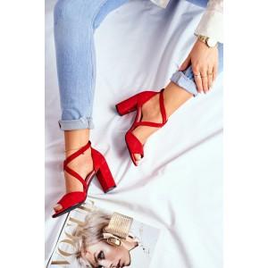 Moderné dámske sandále v červenej farbe s otvorenou špičkou
