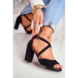 Dámské sandály na podpatku v černé barvě