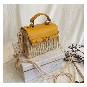 Prostorná dámská pletená kabelka ve žluté barvě