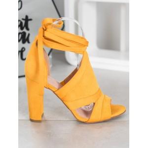 Dámské vázané sandály ve žluté barvě na podpatku