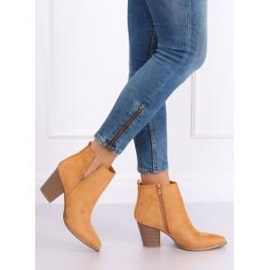 Trendy dámské kotníkové kozačky v krásné hnědé camel barvě