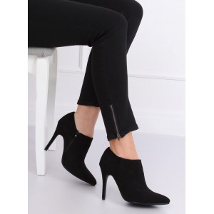 Dámské kotníkové boty na jar v černé barvě